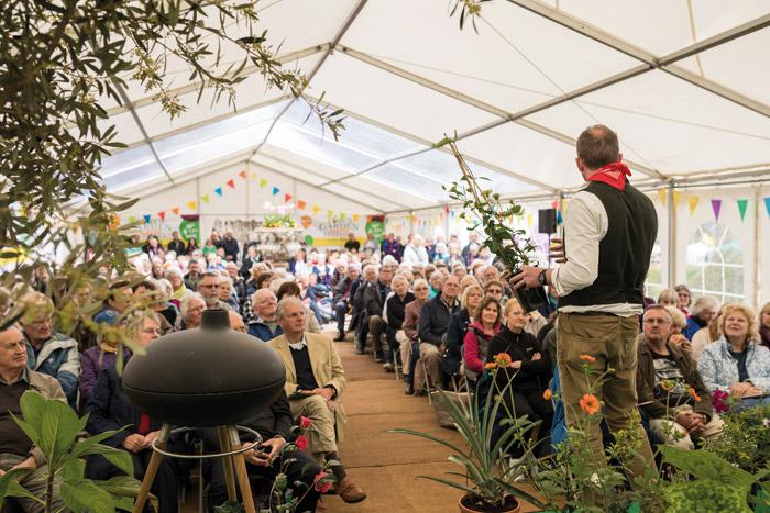 2017-04-28-Toby-Garden-Fest-Powderham-EdOvenden-179