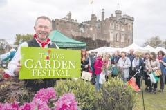 2017-04-28-Toby-Garden-Fest-Powderham-EdOvenden-343